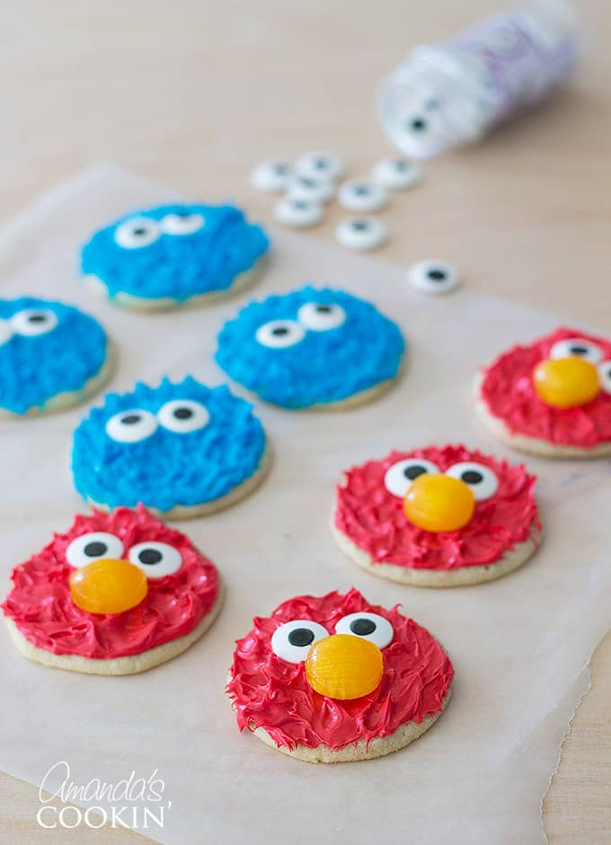 cookie-monster-and-elmo-cookies