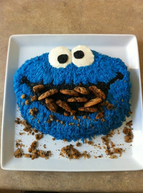 I.Can't.Even. with that Cookie Monster cake. 15 Amazing Ideas: Sesame Street cupcakes, cakes and cookies. Perfect for your next party!